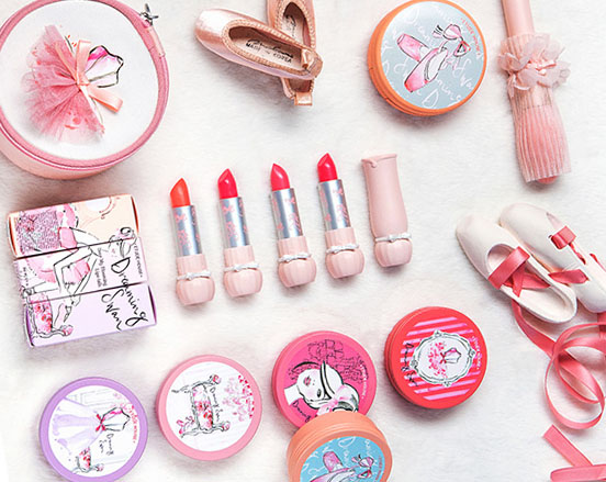 Etude House x Kerrie Hess Dreaming Swan Collection